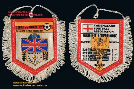 1982 Prescott French England mini pennant from sweets packet,  3x2 inches WC82
